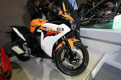 Honda CBR150R 2012