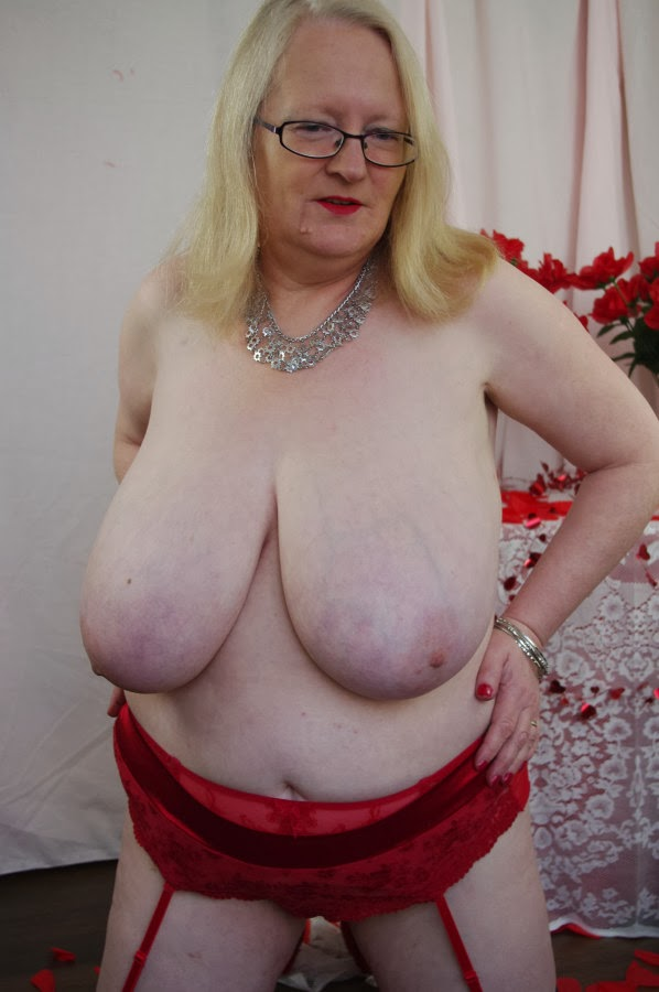 Old lady big tits