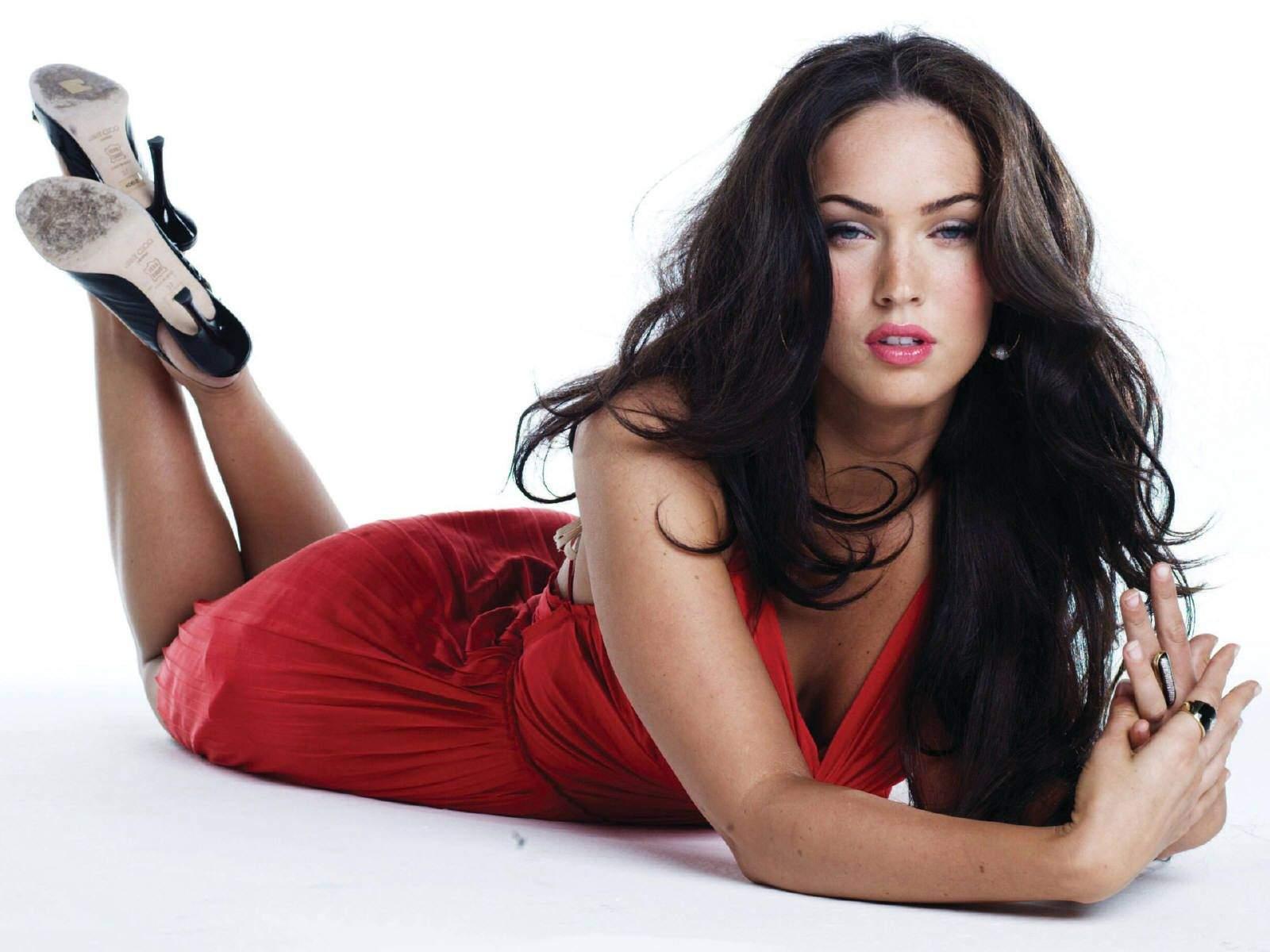Megan fox sexy picture 2
