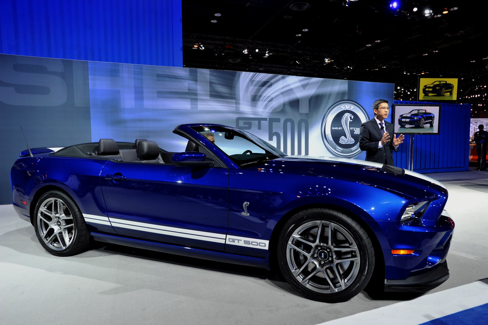 2013 ford mustang shelby gt 500 convertible first live video garage car. Black Bedroom Furniture Sets. Home Design Ideas
