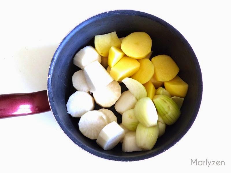 Navets, pommes de terre et oignons.