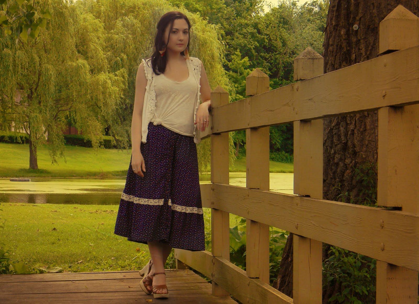 http://3.bp.blogspot.com/-o_GtGqs0IY4/TgDsUNvCHlI/AAAAAAAABBY/txlNCGdBHz0/s1600/Dress+Skirt+2.jpg