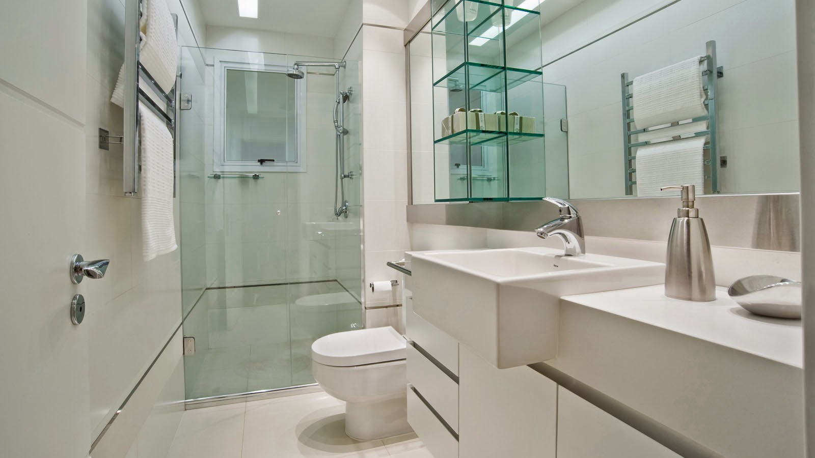 banheiro deve ser prático sim mas também bonito. Quem não se sente #476E61 1600x900 Banheiro Bonito E Pequeno
