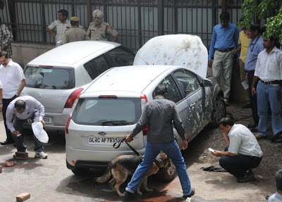 ... explosion outside NEW Delhi HIGH COURT; none injured 25/05/2011