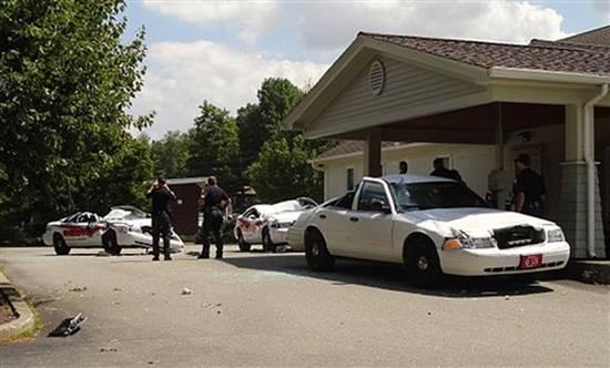 kereta-polis-hancur