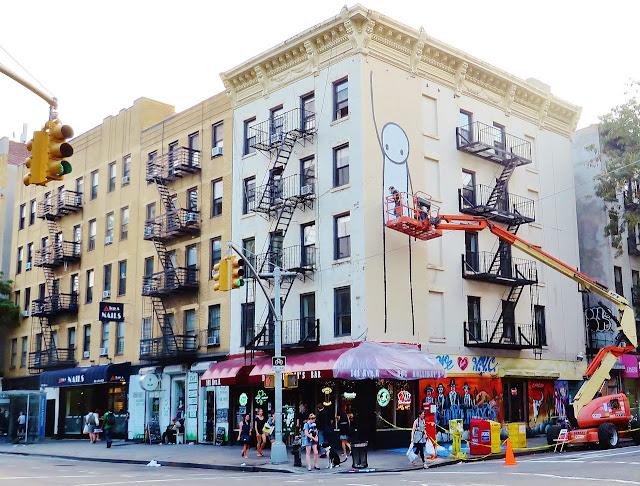 Street Art By British Artist Stik In New York City, USA. 3