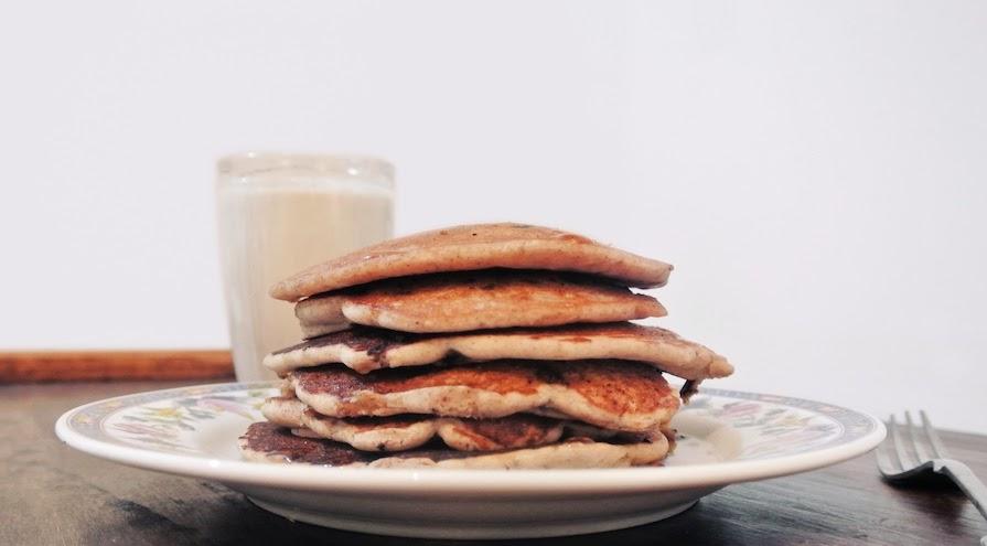 http://le-cru-et-le-cuit.blogspot.com.es/_pancakes con pepitas de chocolate