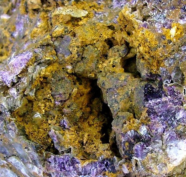 Afbeeldingsresultaat voor gold in earth