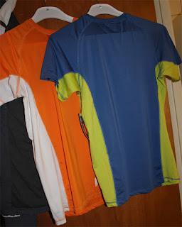 Träningstopp  Älskar att träna, träningskläder är OK att köpa :)