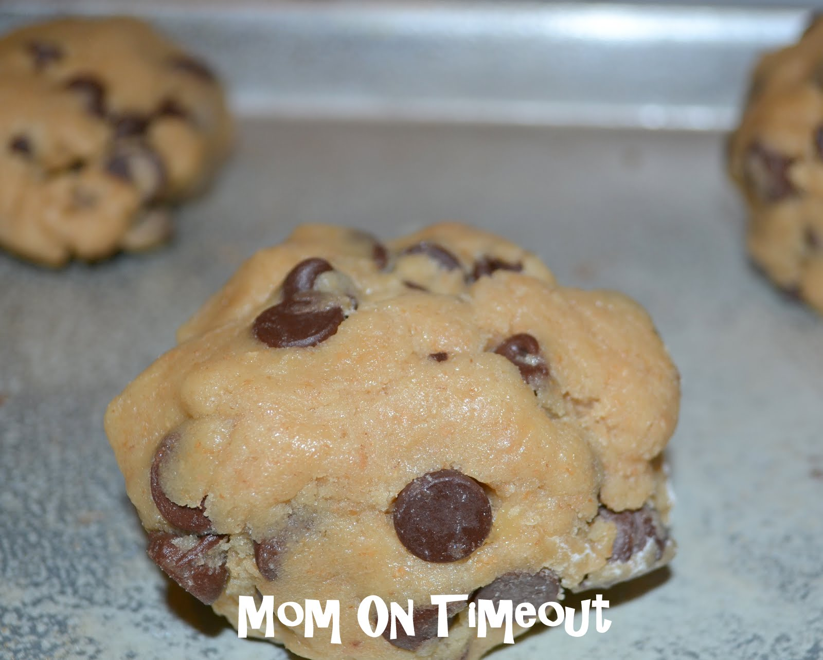 Giant chewy chocolate chip cookie recipe