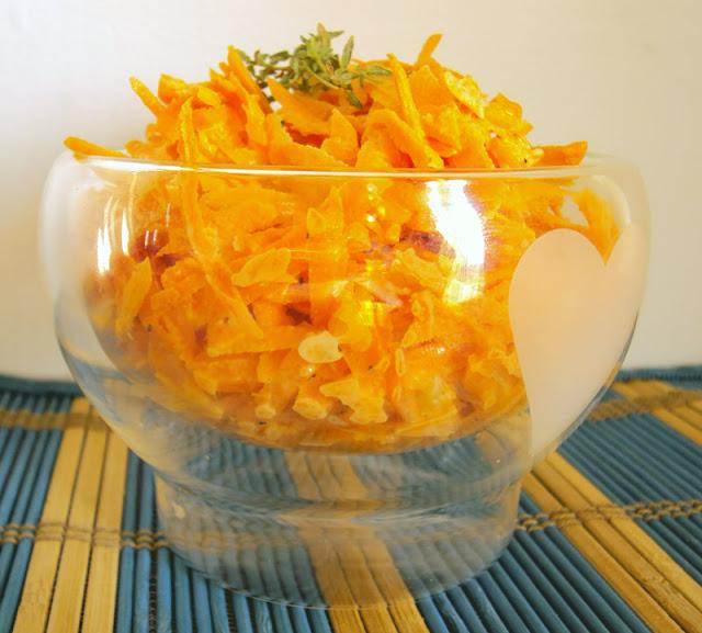 Surówka z marchewki i czosnku na ostro