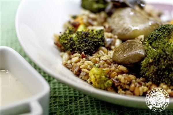 'Vegi Mix' met geroosterde broccoli en oesterzwammen