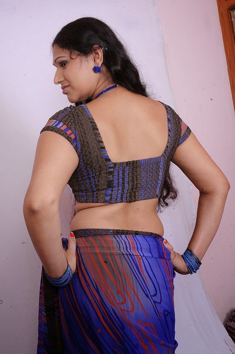 tamil hot aunty sexy back still sangeetha aunty hot back still