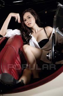 Aura Kasih for Popular World Magazine, April 2011