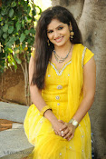 New Actress Noorjahan Photos in Yellow-thumbnail-4