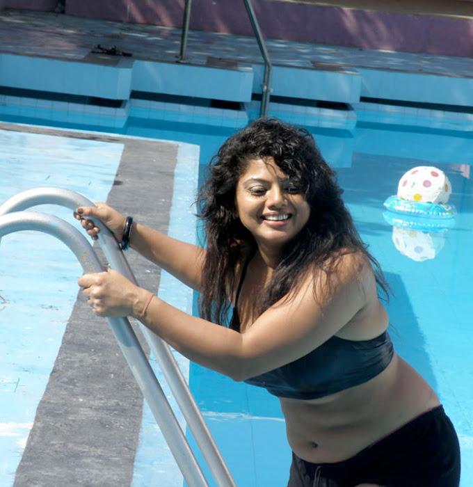 mallu auntie swathi verma spicy swimsuit latest photos