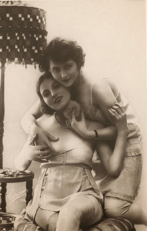 Photo memories by sapphic erotica kyra queen and brittany 8