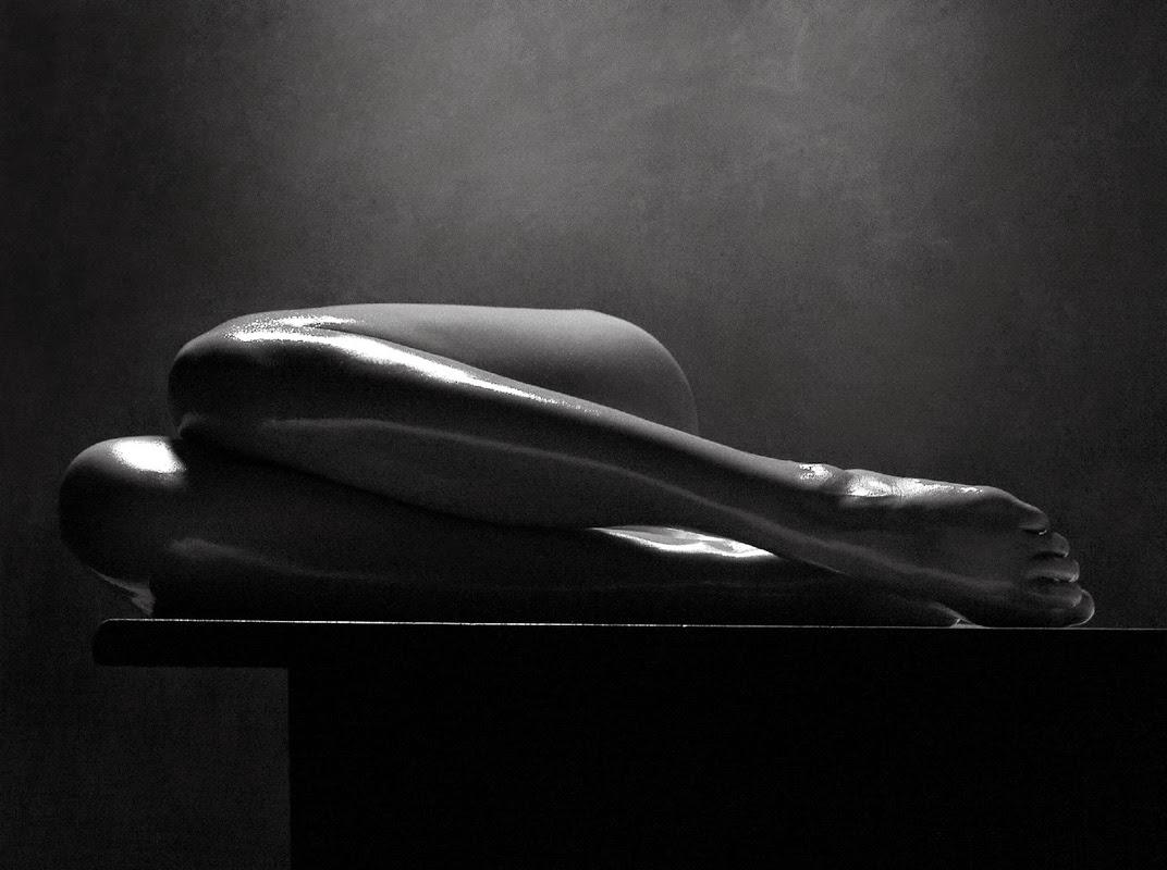 Черно белые фото девушек красивая эротика108