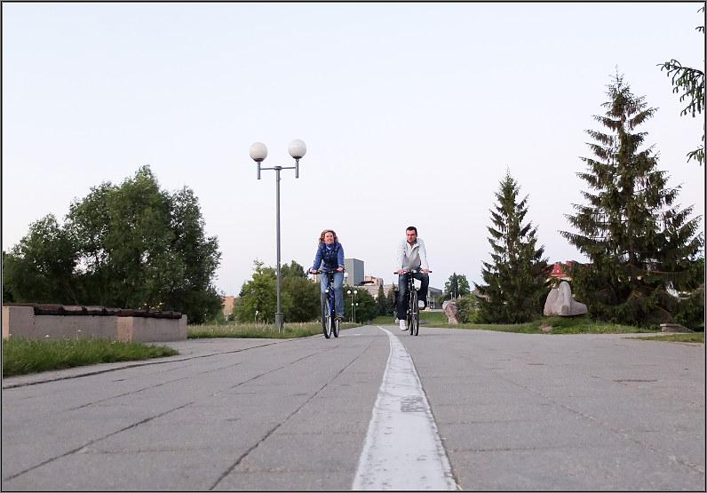 porelė su dviračiais