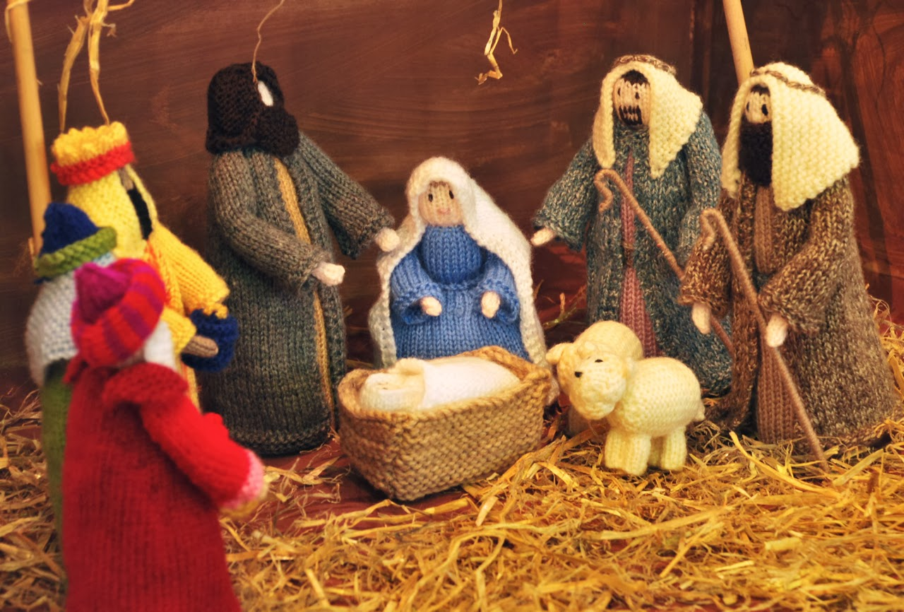 Knitting Patterns Nativity Free : Stitchin Bints: Finished project, Knitted Nativity