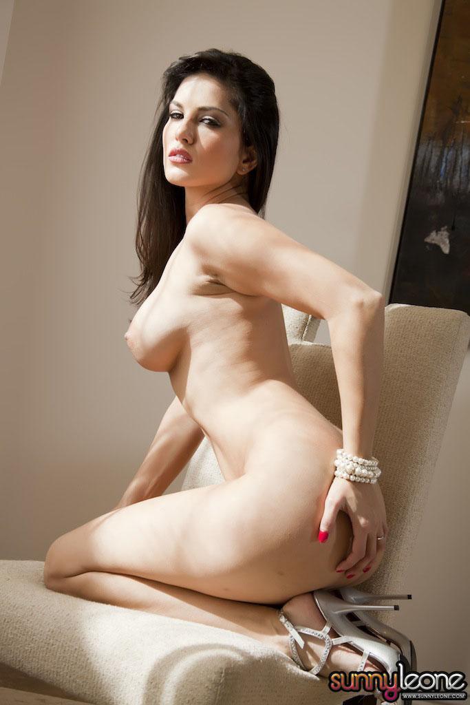 www.celebtiger.blogspot.com Sunny+Leone+ +White+BikIni+(1) Sunny Leone Indian Pornstar Posing Nude In White Lingerie HQ Photos