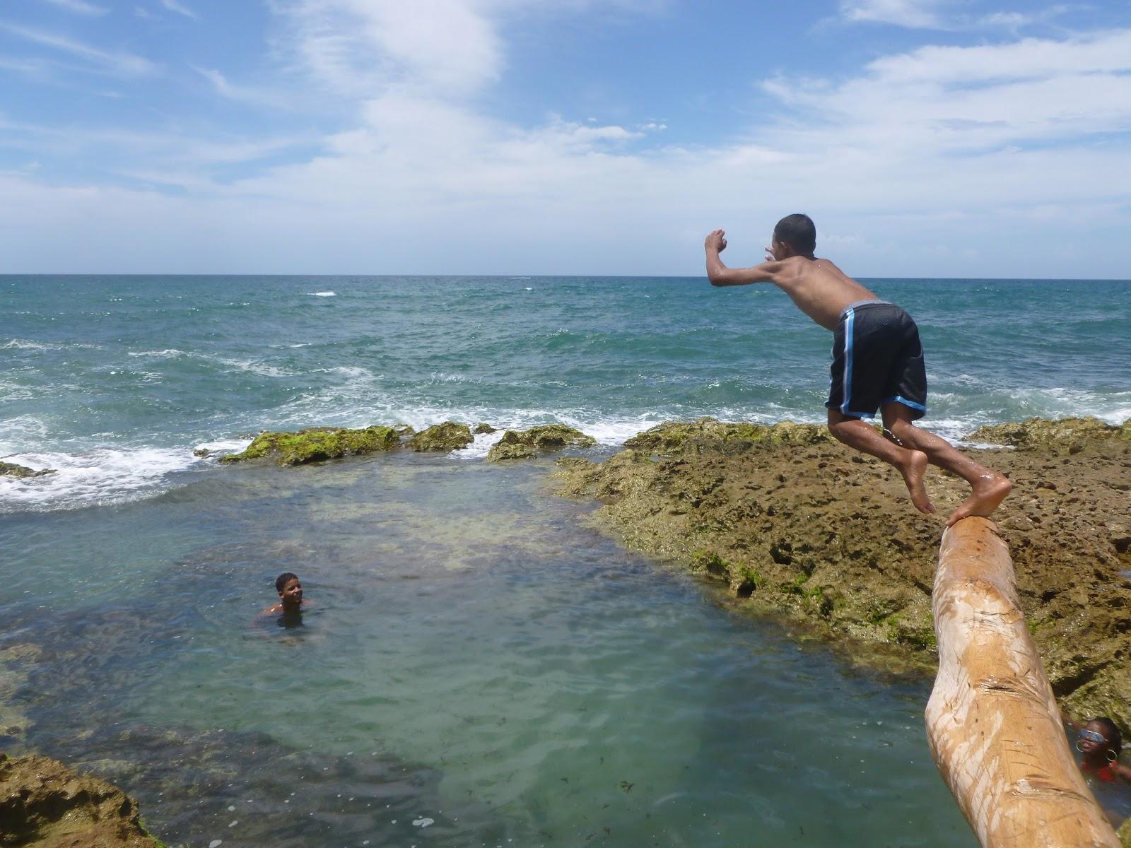 Milenio caliente una piscina de agua salada natural for Piscina agua salada