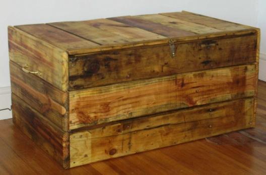 Como hacer un baul con un palet taringa for Baul madera barato