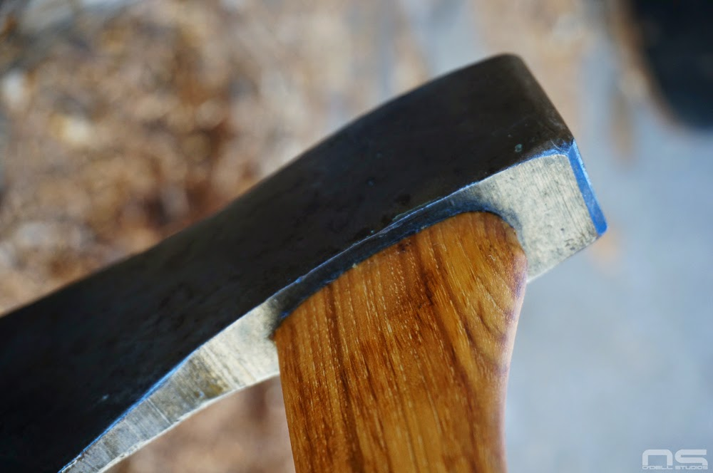 fitting an axe handle