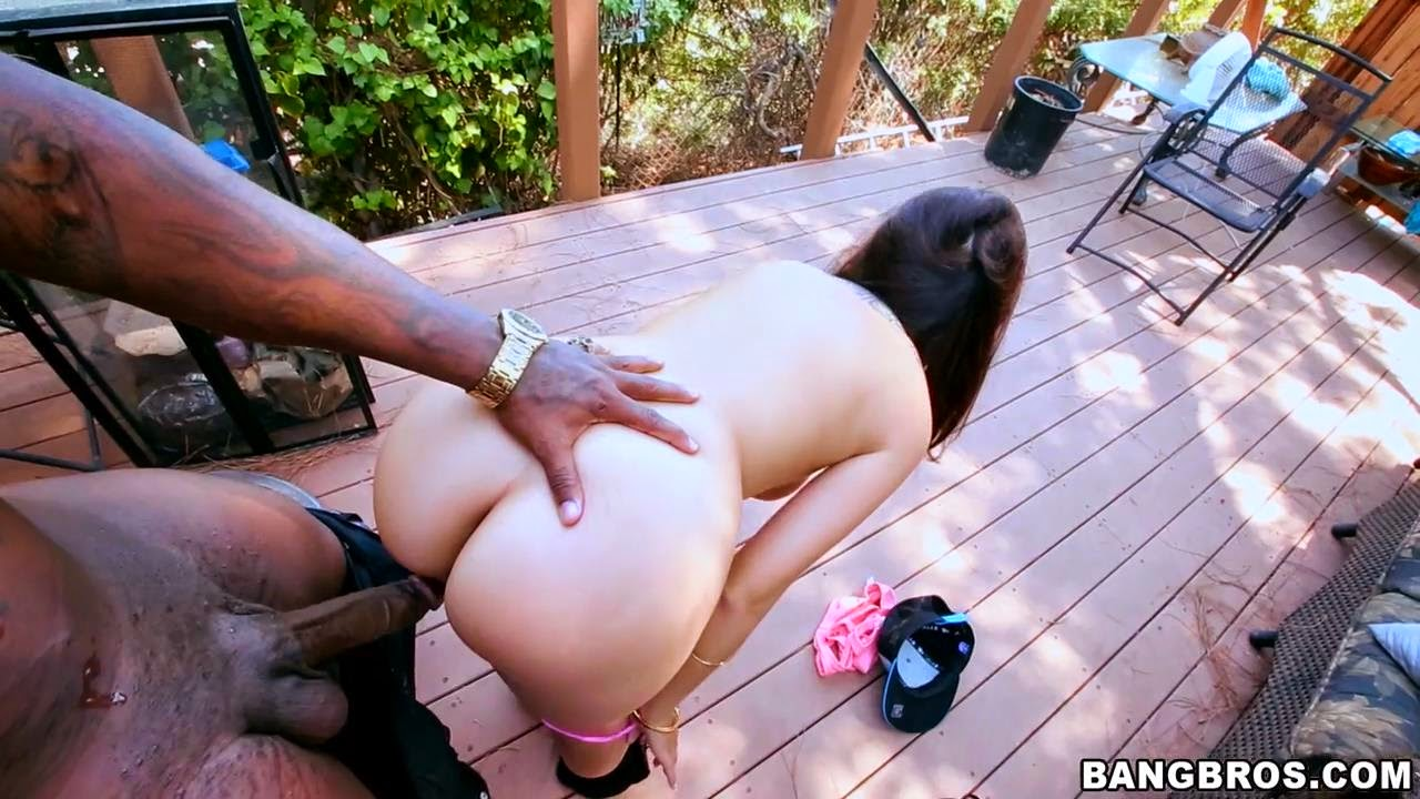 2 fat ass blondes lick pussy amp take a bbc mellanie amp austin - 2 9