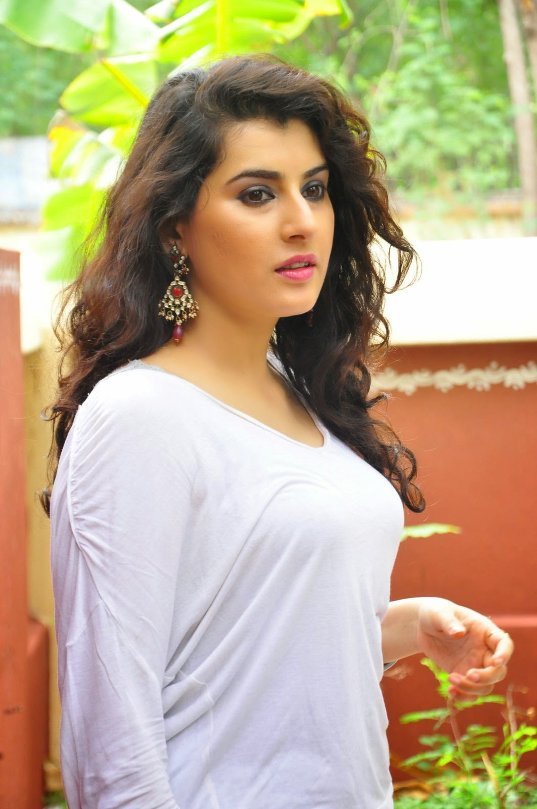 Archana veda hot white top photoshoot archana veda hd wallpapers all about tollywood - Archana wallpaper ...