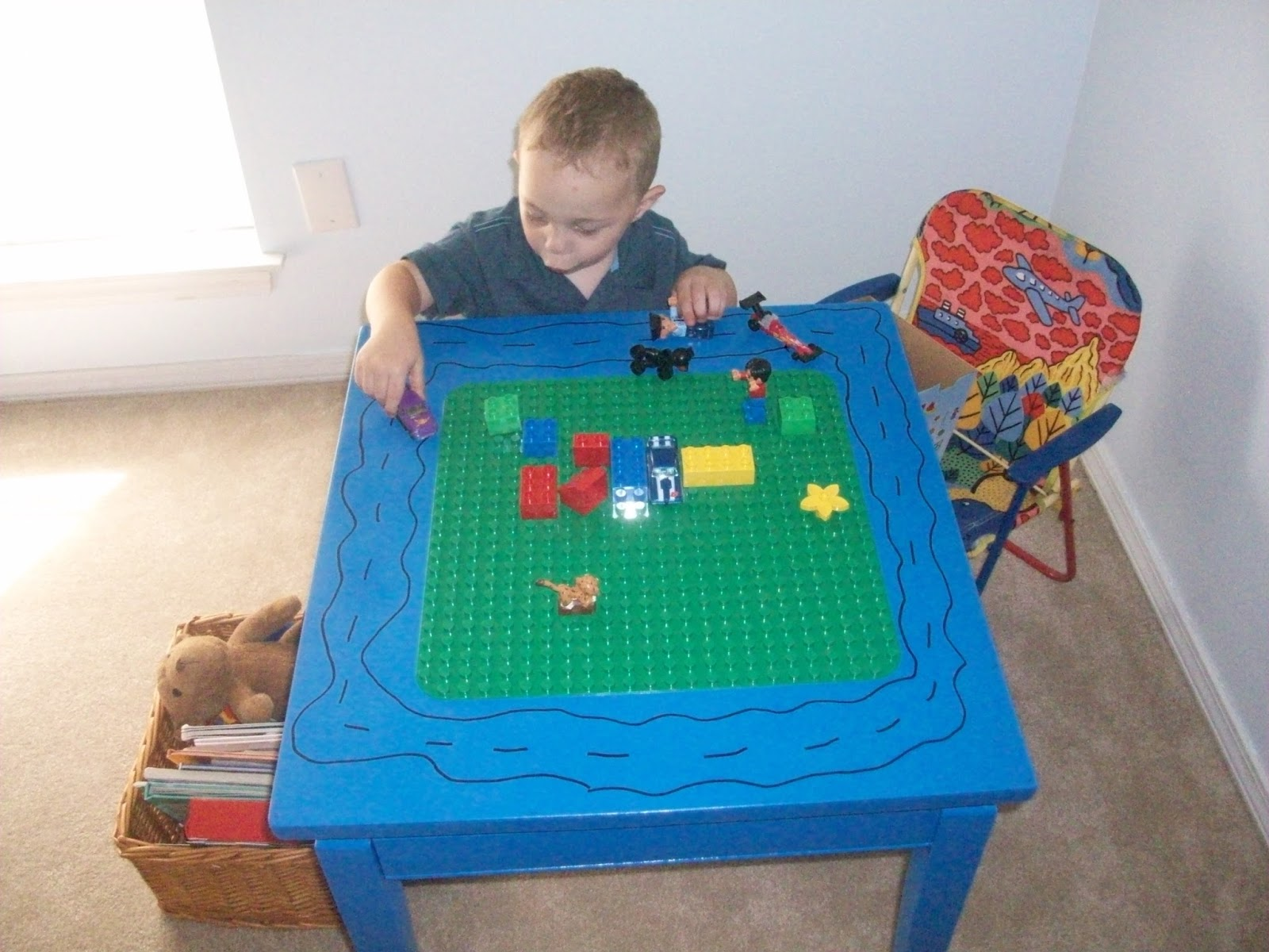 LEGO / DUPLO TABLE - This Ole Mom