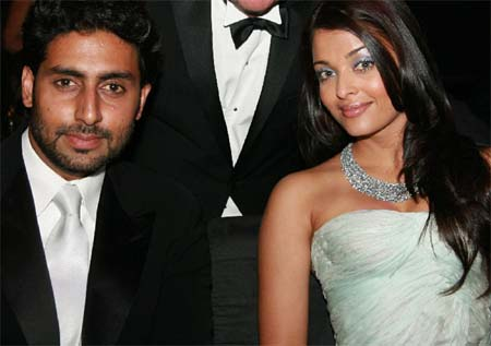 Aishwarya Rai Latest Romance Hairstyles, Long Hairstyle 2013, Hairstyle 2013, New Long Hairstyle 2013, Celebrity Long Romance Hairstyles 2119
