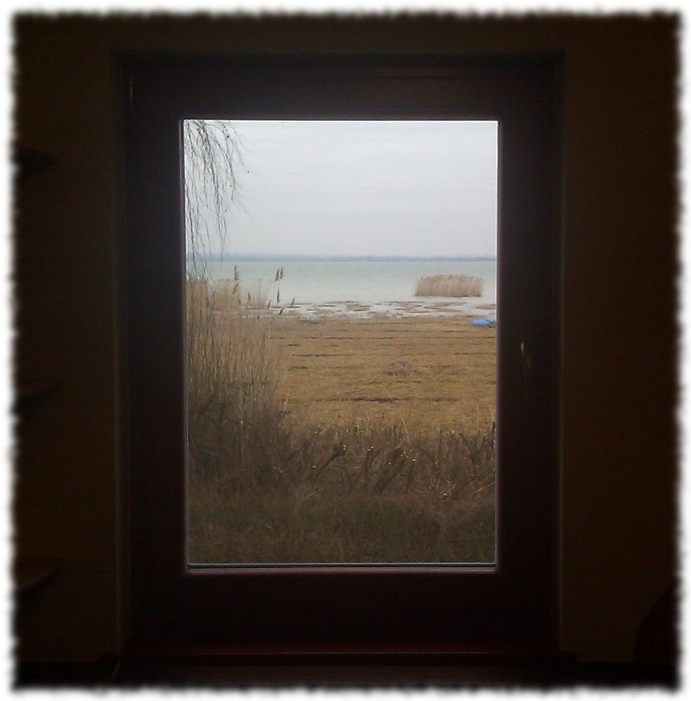Balatoni dolgozószoba - ablak
