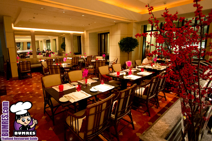 The Peninsula Hotel On Charoennakorn Road Has River Cafe And Terrace Located Right At Edge Of Chao Phraya There Dinner Buffet Is