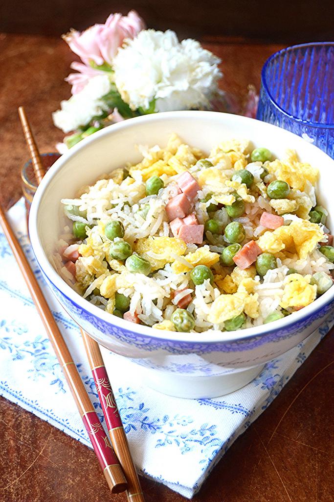 Dolci a go go cucine dal mondo riso alla cantonese for Piatti cinesi mangiati in italia