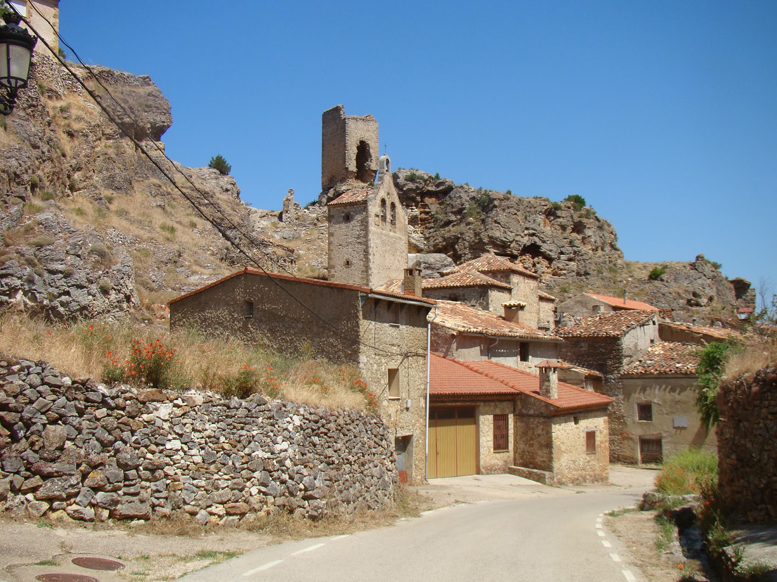 Castillos espa oles torre de chaorna soria for Alquiler pisos burgo de osma