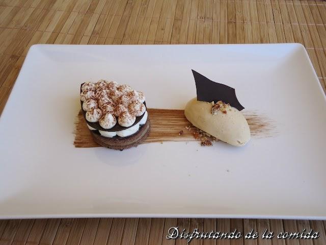 Tiramisú al Chocolate con Helado de Praliné de Anacardos