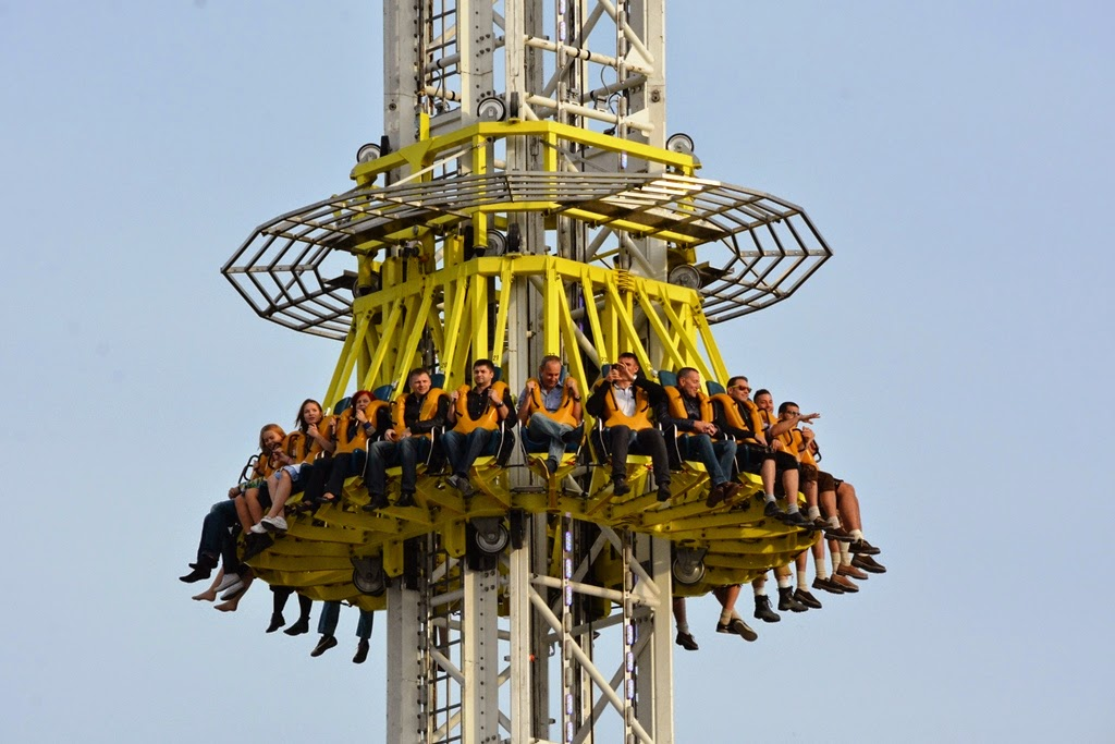 Oktoberfest Carnival 2014 drop tower