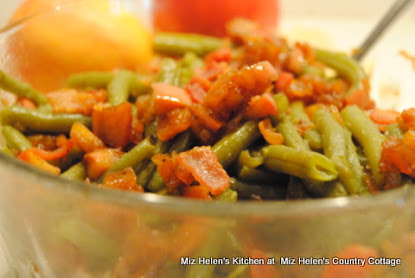 Fresh Green Beans with Apple Dressing