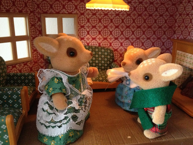 Sylvanian Families Moss Reindeer Family Willow Hall