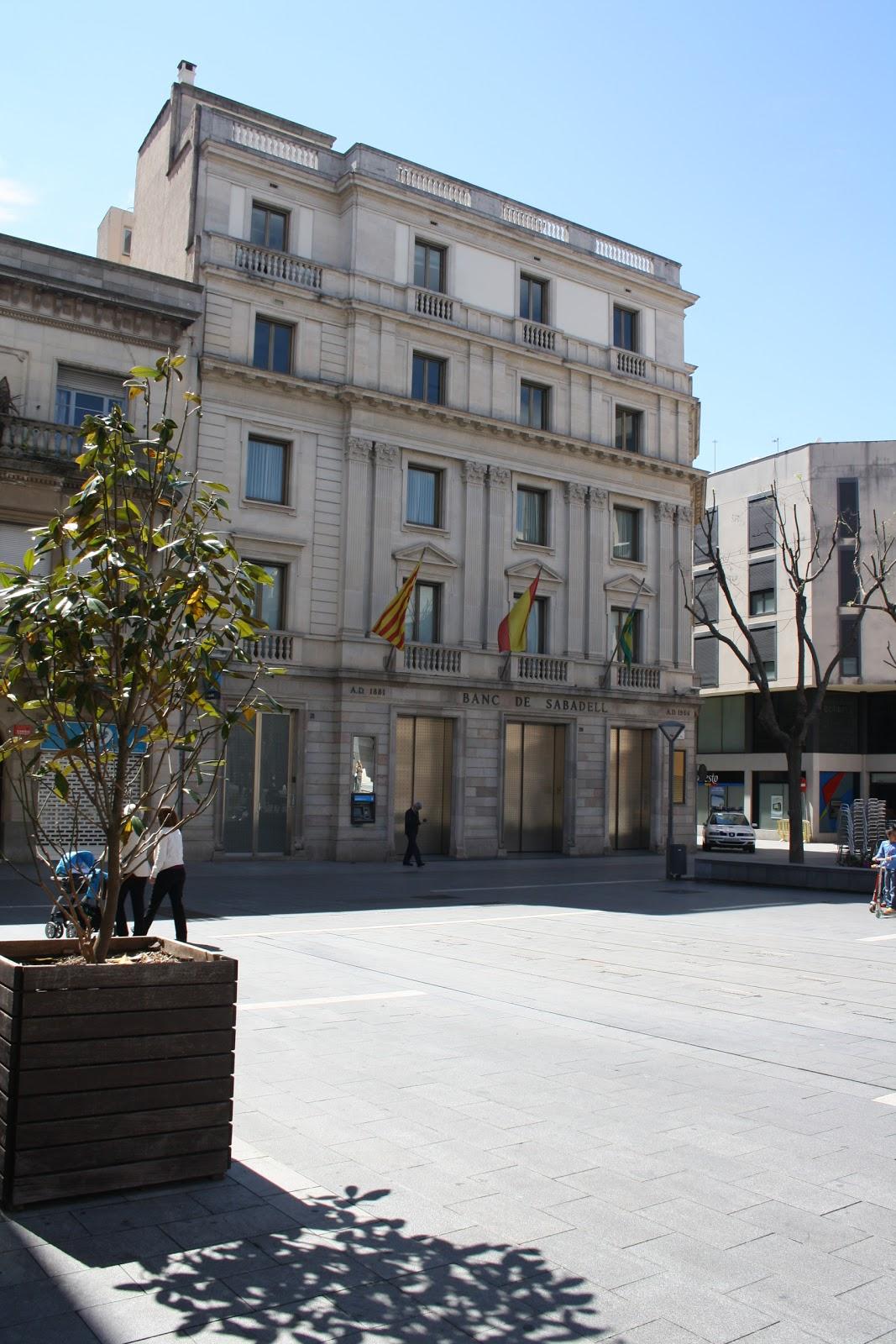 Tribuna del bergued edificis d 39 entitats finan eres de for Banc sabadell pisos