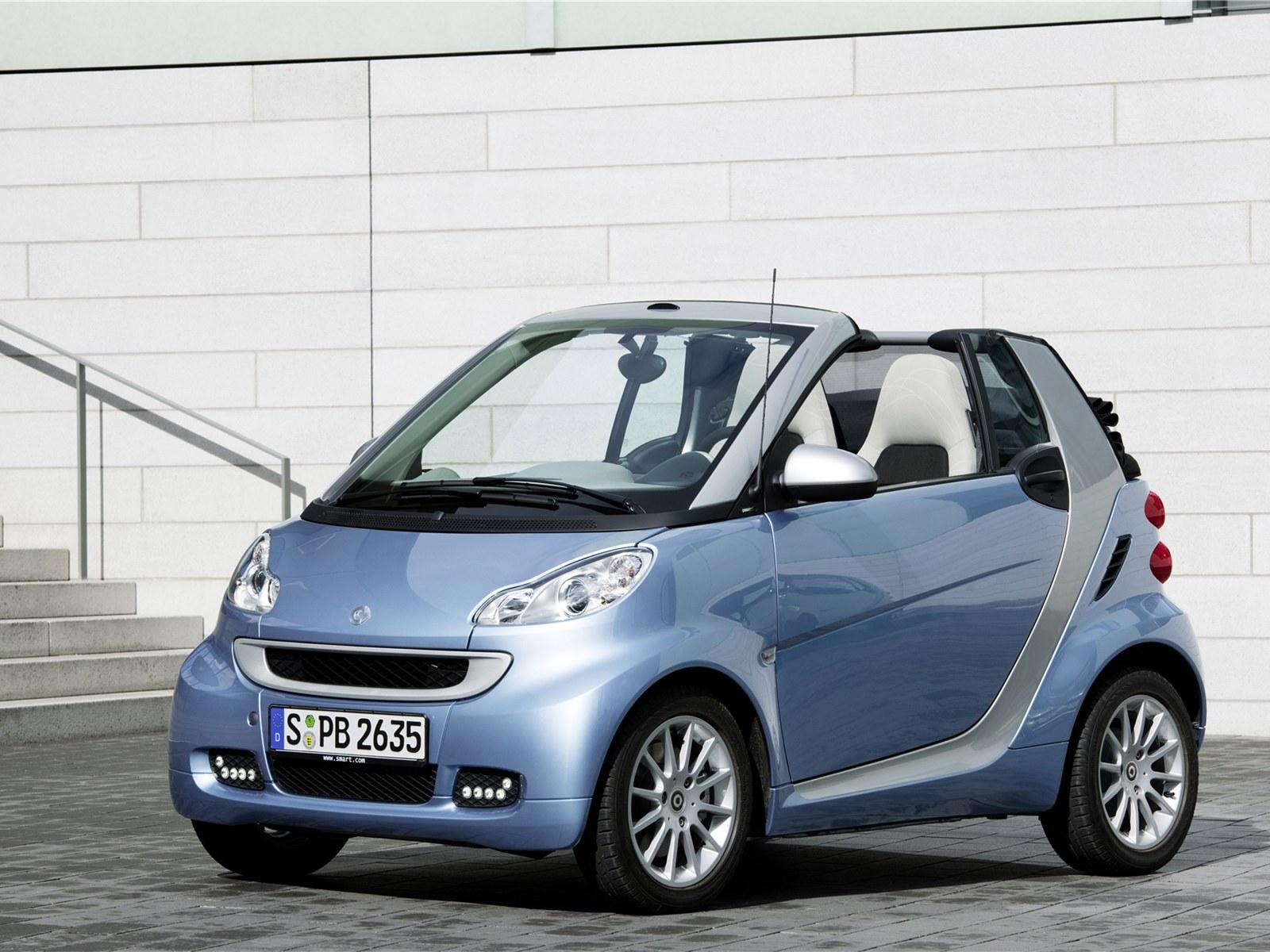 car reviews 2011 smart fortwo. Black Bedroom Furniture Sets. Home Design Ideas