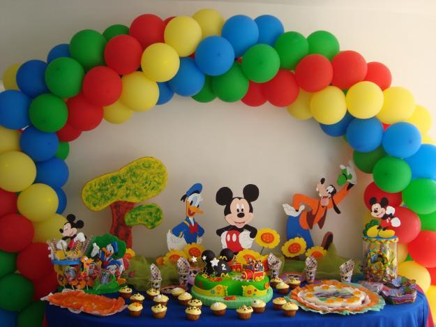 Decoraci n con globos fiestas infantiles decoraci n de - Adornos fiesta de cumpleanos ...