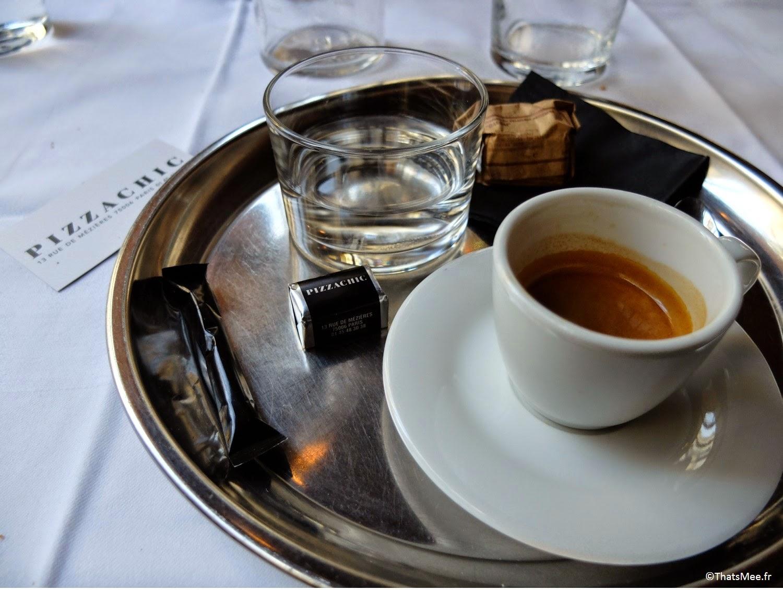 café espresso servi plateau argent dai dai Pizza Chic Paris 6ème, Resto Pizza Chic Paris proche Saint-Germain-des-prés pizzeria de qualité produits italiens frais