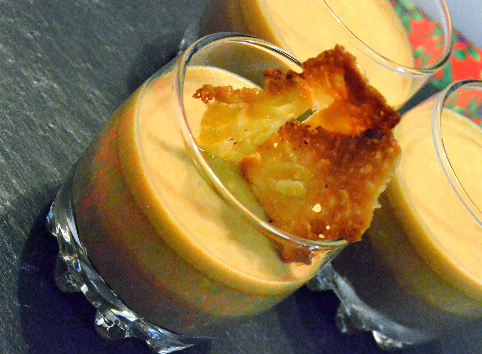 Panna Cotta de Chocolate Negro, Toffee de Laranja e Creme de Café, decorado com Florentines