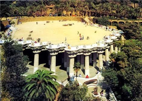Parque Güell - Conjunto de la plaza | Foto: gaudidesigner.com