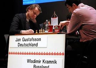 Echecs à Dortmund ronde 2 : Jan Gustafsson (2642) 0-1 Vladimir Kramnik (2801) - Photo © Georgios Souleidis