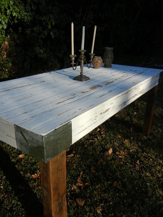 detalle mesa pinotea blanca