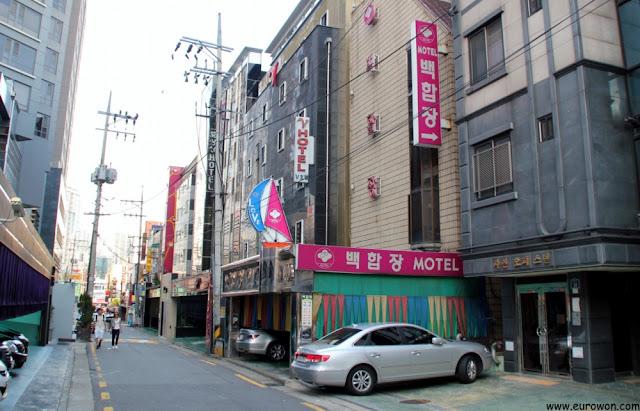 Moteles en una calle de Seúl