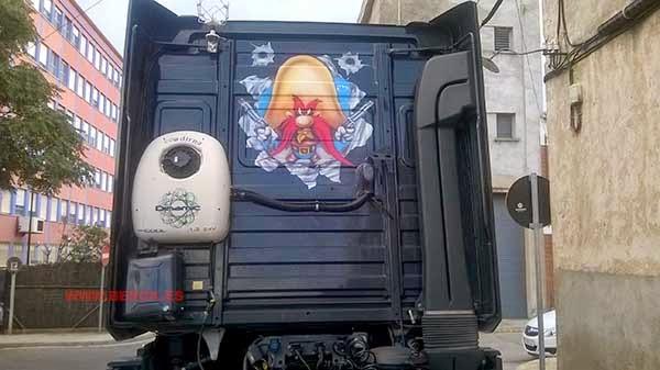 Aerografía camión Sam el bigotes